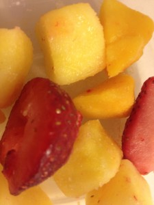 peaches, strawberries, mango, pineapple.......in the famous words of Rachel Ray....Yum-O!
